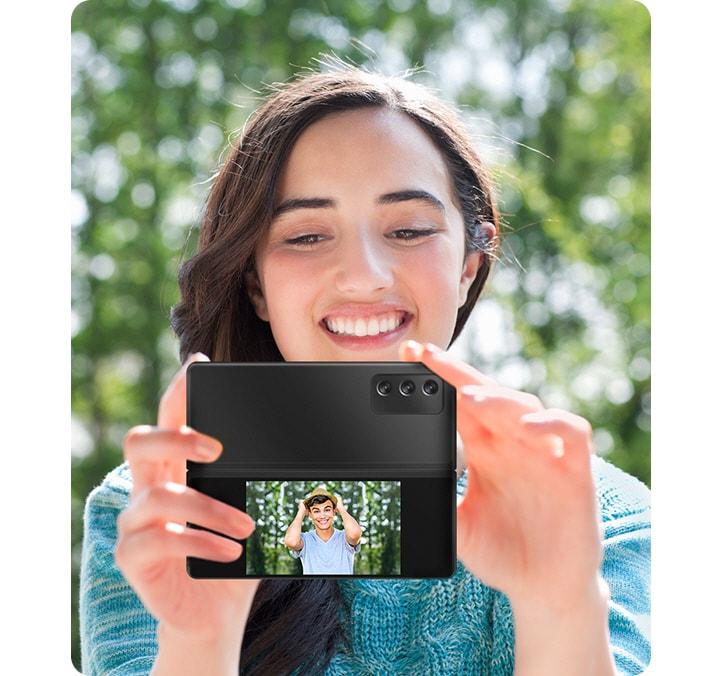 Samsung One UI 3 正式推送给部分地区 Galaxy S20 系列,Galaxy A 系列预计 2021 上半年获得升级 8